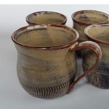 brown mugs